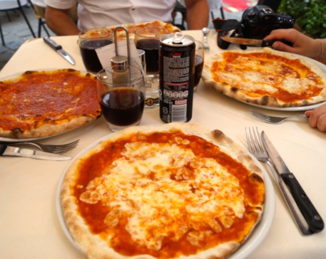 pizza in pisa