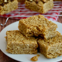 British Flapjacks (Chewy Oat Bars)