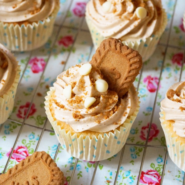 ... cupcakes topped with a creamy swirl of Biscoff buttercream frosting